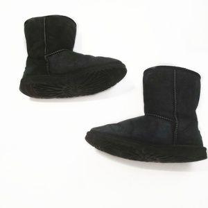 Ugg Australia.Classic Short II Boot Size 6